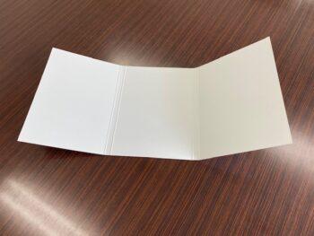 砂利舗装材見本台紙を開いた画像